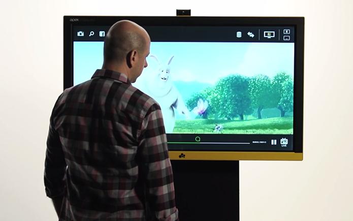 Empresa brasileira lança TV com Windows 8 por R$ 27 mil (Foto: Divulgação/Apek)