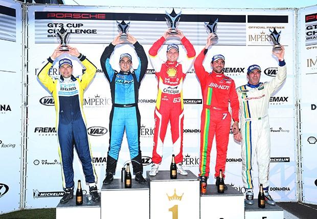 Pódio categoria Cup _ Corrida 1 (Foto: Divulgação/Luca Bassani/Porsche Império GT3)