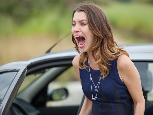 Laura leva grande susto e solta grito de desespero (Foto: Fabiano Battaglin/ Gshow)