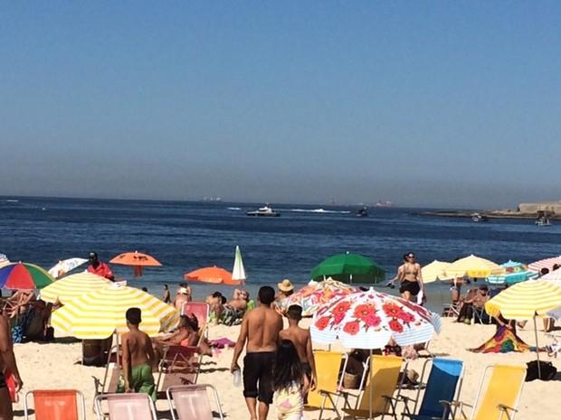 Praia de Copacabana lotada no inverno e em dia de evento teste (Foto: Alba Valéria Mendonça/G1  Rio)