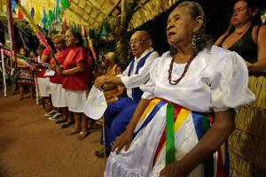 Primeira ladainha do Sairé em 2011 (Foto: Tamara Sare / Agência Pará)