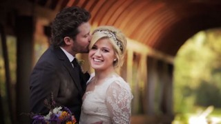 Kelly Clarkson e Brandon (Foto: Video/Reprodução)