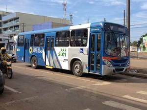 Novos ônibus coletivos de Porto Velho, RO (Foto: Mary Porfiro/G1)