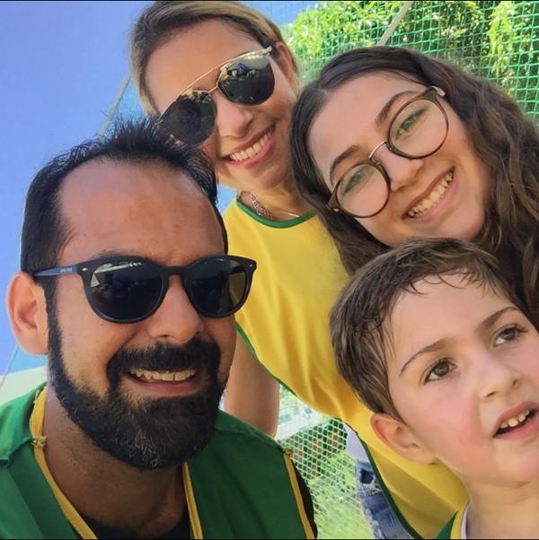 Onildo e Ana Cristina Rocha com os filhos Lulu e Luquinhas (Foto: Arquivo Pessoal)