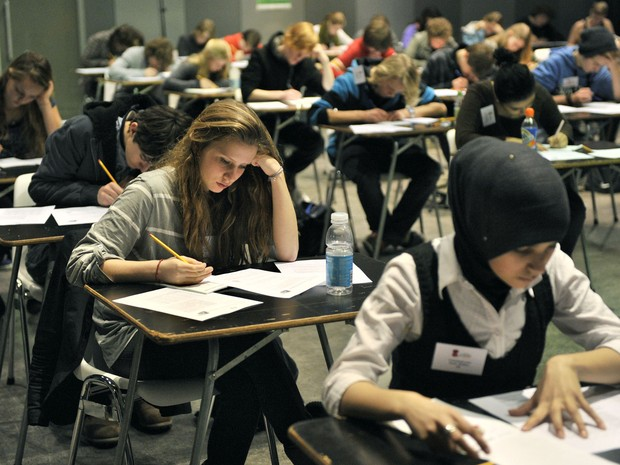 Estudo analisou desempenho de estudantes em teste do ensino médio   (Foto: Ed Oudenaarden/ANP/AFP)