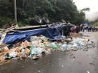 Caminhão tomba no trecho de serra da Floriano Rodrigues Pinheiro