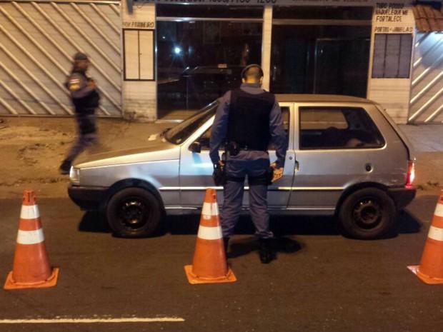 Equipes atuam em barreiras em diversas zonas de Manaus (Foto: Polícia Militar/Divulgação)