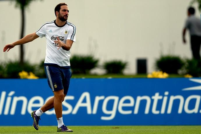 Higuaín treino Argentina (Foto: AFP)