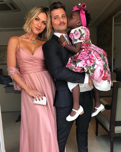 Família Gagliasso-Ewbank no casamento de Marina Ruy Barbosa (Foto: Reprodução/Instagram)
