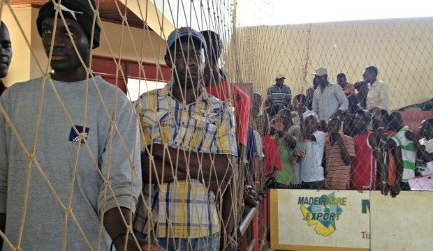 Haitianos recebem atendimento, no interior do Acre, para regularizar situação.  (Foto: Veriana Ribeiro )