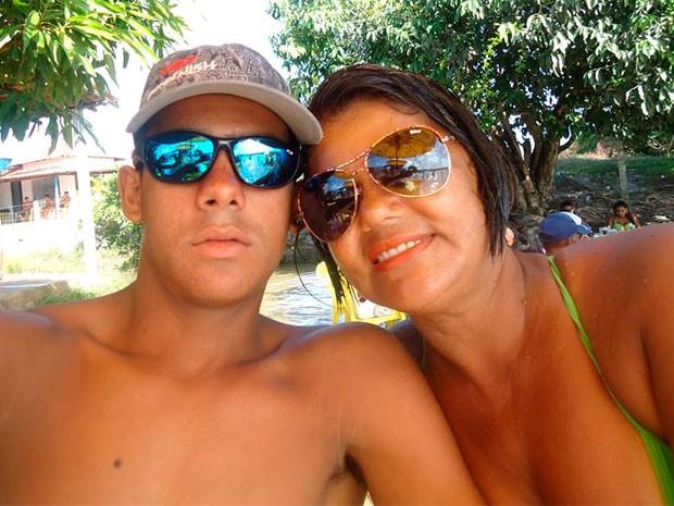 """Érica dos Santos e o filho Joerickson Smith: """"Perdi o único amor da minha vida""""  (Foto: Arquivo Pessoal)"""