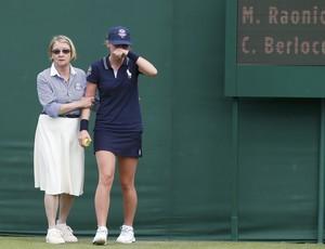 boleira choro saque raonic wimbledon tenis (Foto: Reuters)