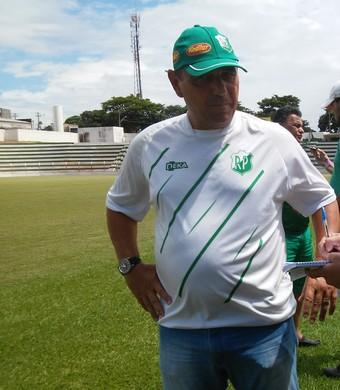 Betão busca trabalhar o psicológico dos jogadores que estavam desacreditados (Foto: Henrique Fernandes/Rio Preto)