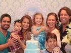 Nívea Stelmann se reúne com família do ex, Mario Frias: 'Crianças merecem'