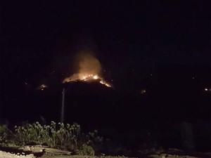 Incêndio na Serra Branca, em Jacobina na Bahia (Foto: Imagem/Tv São Francisco)