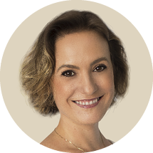Shirley Hilgert, publicitária e relações públicas, é mãe de Leonardo, 5, e Caetano, 2, e autora blog e canal Macetes de Mãe, onde compartilha dicas e experiências relativas à maternidade. (Foto: Kazan Estúdio Fotográfico)
