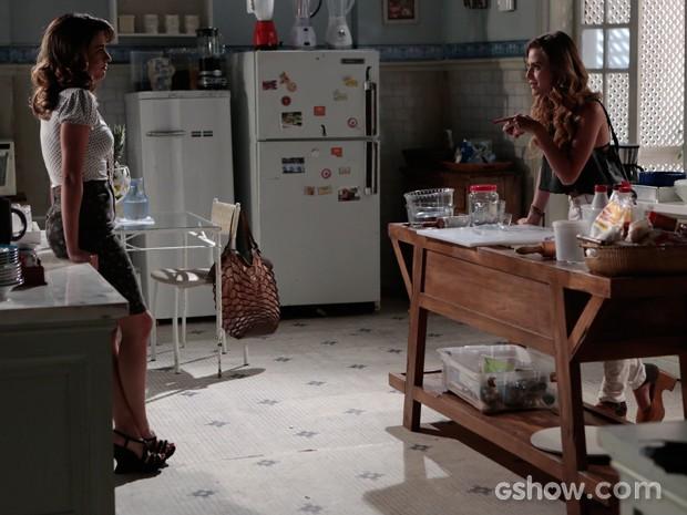 Sofia revela o plano para renovar o casarão para sua tia Luciana (Foto: Felipe Monteiro / TV Globo)
