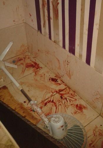 Casa invadida por Deroci Barbosa ficou com marcas da violência (Foto: Milliane Silva/Arquivo pessoal)