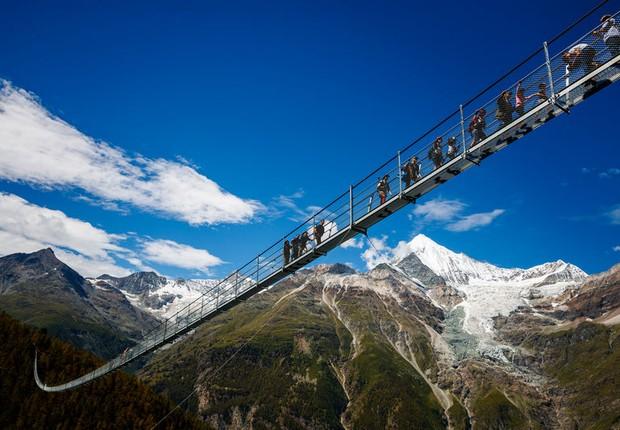 A ponte Charles Kuonen, maior ponte suspensa do mundo (Foto: Zermatt-Matterhorn)