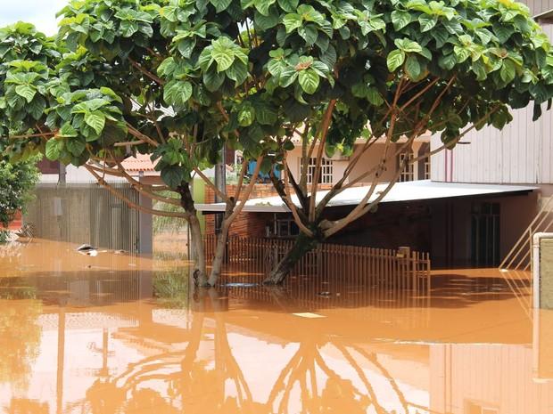 Em Francisco Beltrão, no sudoeste do Paraná, enchentes atingiram 176 pessoas, segundo a Defesa Civil (Foto: Larissa Luquini / Prefeitura de Francisco Beltrão)