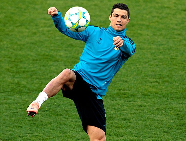 Cristiano Ronaldo no treino do Real Madrid (Foto: Reuters)