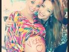 Bruna Di Tullio faz chá de bebê e se diverte com amigos e família