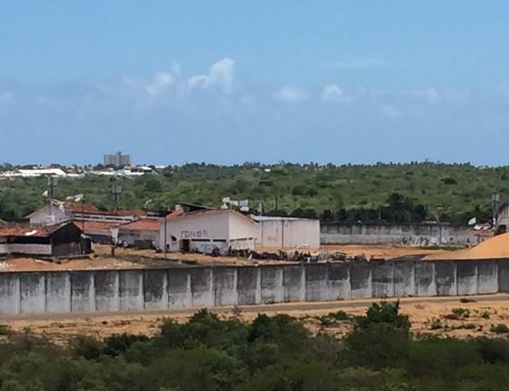Detentos montaram barricadas e dividem o controle da Penitenciária de Alcaçuz (Foto: Daniel Haidar/ÉPOCA)