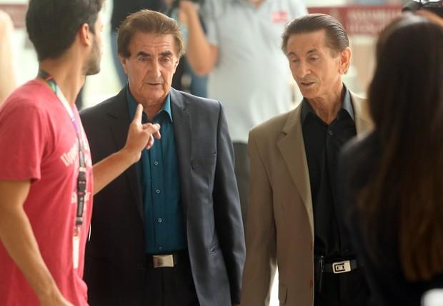 Lorenço e Lourival no Velório de Inezita Barroso (Foto: Iwi Onodera / EGO)
