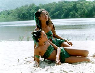 Camila Pitanga e Deborah Secco em 'Caramuru' (Foto: Globo/Nelson Di Rago)