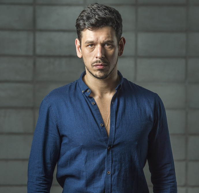 João Vicente de Castro estreia na TV como vilão em 'Rock Story' (Foto: Globo / João Cotta)