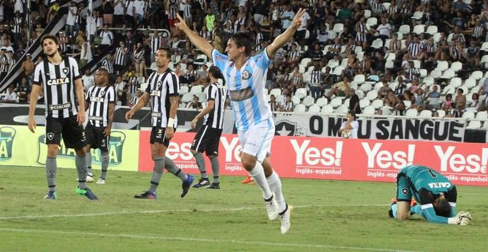 Guilherme Xavier deixa o Macaé após a disputa do Carioca (Foto: Tiago Ferreira/Macaé)