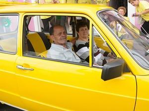 O casal de aposentados sonha viajar para Sergipe com o dinheiro da venda da Brasília (Foto: Elídia Miquelini/Arquivo pessoal)