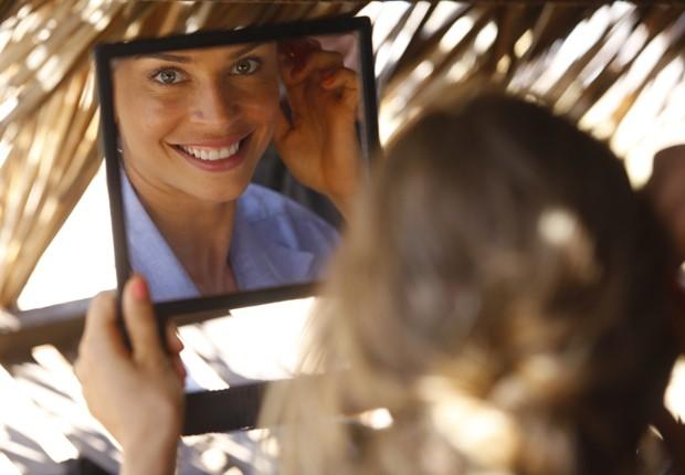 De volta ao batente! Grazi fala sobre o retorno à TV depois de primeira filha (Foto: Flor do Caribe/TV Globo)