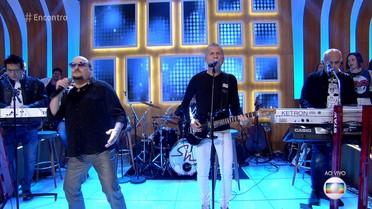 Roupa Nova canta 'Sonhando com os Pés no Chão'