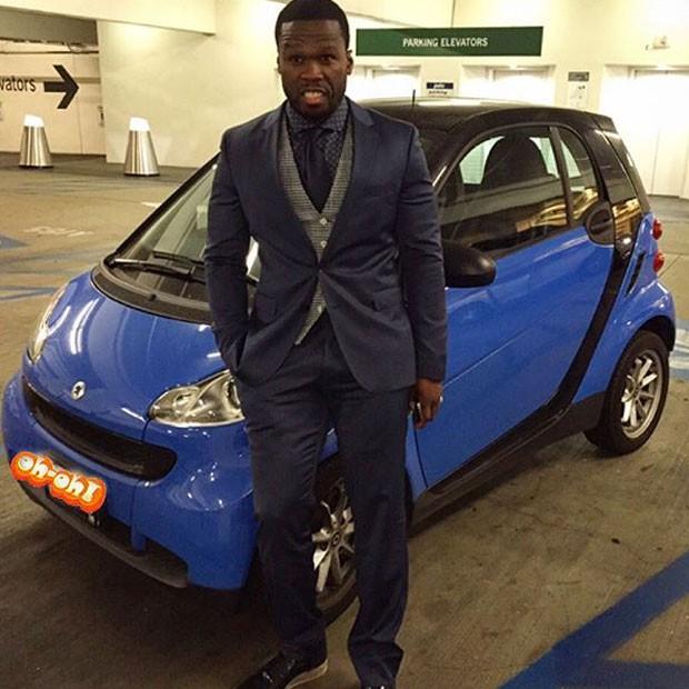 50 Cent posa com carro (Foto: Instagram/ Reprodução)