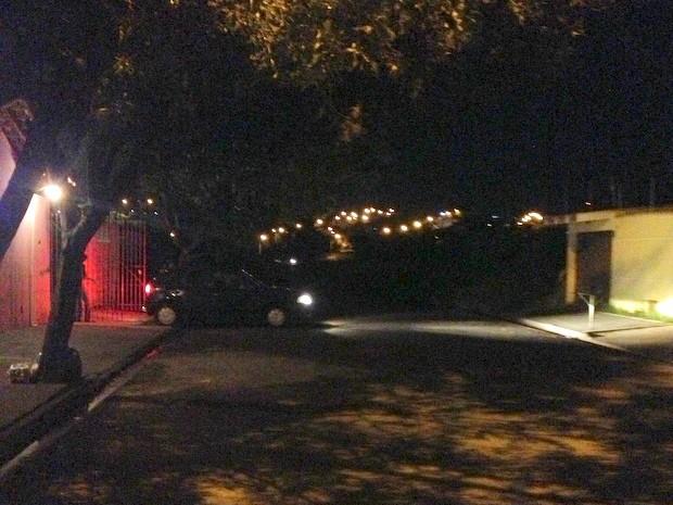 Rua no bairro Serra Verde, em Piracicaba sem iluminação (Foto: Clayton Henrique de Moraes Campos/VC no G1)