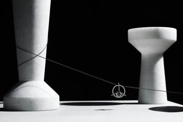 Pingente da primeira coleção masculina de Yael Sonia (Foto: Divulgação)
