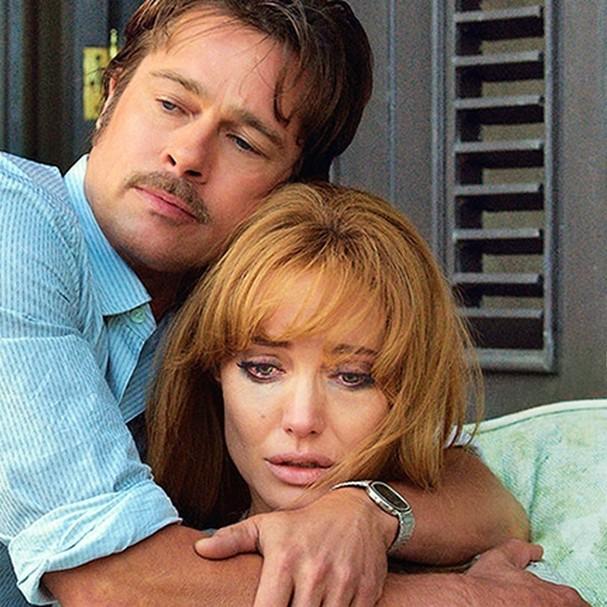 """Cena de """"By The Sea"""", com Angelina Jolie e Brad Pitt (Foto: Reprodução)"""