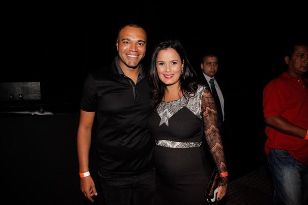 Denilson com a esposa Luciana (Foto: Marcos Ribas/ photo rio news)