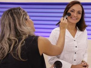 Liara Nogueira é a primeira a ter maquiagem definida (Foto: Divulgação/ Serivaldo Júnior)