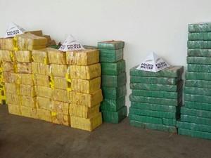 Droga Iturama (Foto: Polícia Militar/Divulgação)