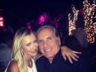 Roberto Justus curte a noite de Miami com a namorada