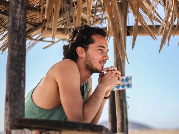 Gabriel Falcão durante as gravações do clipe da música Flores, de Alvin Bianchim (Foto: Divulgação)