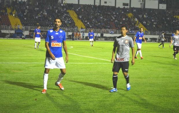 Zizao Corinthians Cruzeiro (Foto: Tiago Campos / Globoesporte.com)