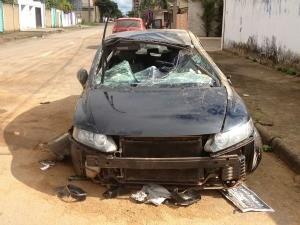 Gregório foi arremessado para fora do veículo na Avenida Abunã em Porto Velho (Foto: Ivanete Damasceno / G1)