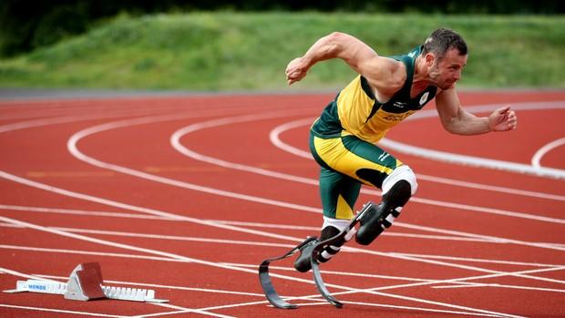 Oscar Pistorius Londres treino (Foto: AP)