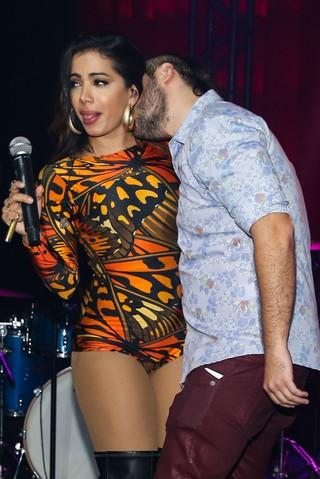 Anitta em show em São Paulo (Foto: Manuela Scarpa e Marcos Ribas/ Foto Rio News)