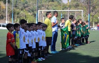 Garotos de Taubaté festejam oportunidade na base do Corinthians
