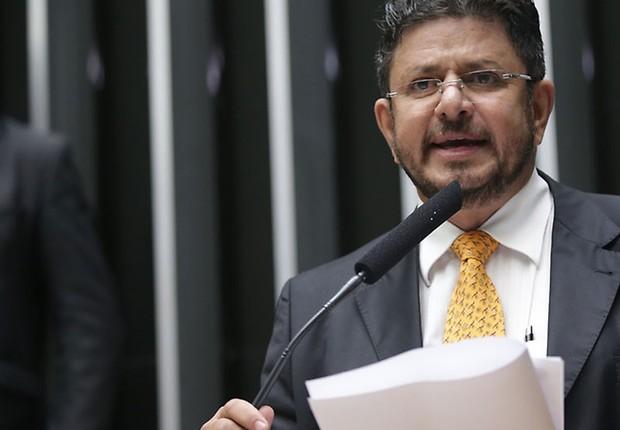 Resultado de imagem para O primeiro vice-presidente da Câmara, deputado Fábio Ramalho (PMDB-MG),