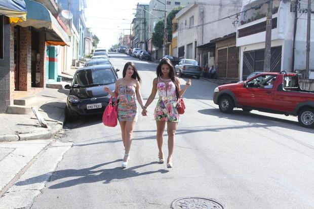 Ana Paula Xavier e Thaynara, candidatas a Miss Bumbum (Foto: Thiago Duran / AgNews)